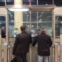 Foto scattata a Passport Control da Vassili il 9/5/2012