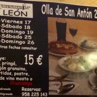 Foto tomada en Restaurante Bar León por Francisco A. el 1/18/2014