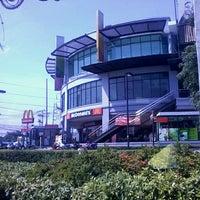 Photo taken at iPlace Lifescape Center by  I am tunn osaru  白洛因 😉ปิ๊ง ครับ . on 5/7/2013