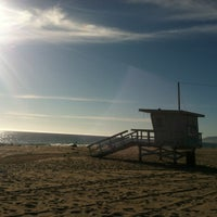 Photo prise au Zuma Beach par Rebekah K. le10/15/2012