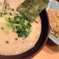 Photo taken at 博多ラーメン 長浜や 新大久保店 by ZICO2009 on 3/9/2014