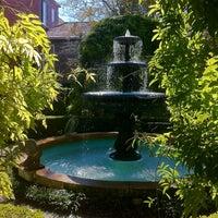 11/10/2012 tarihinde Benjamin G.ziyaretçi tarafından Calhoun Mansion'de çekilen fotoğraf