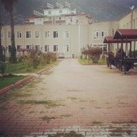 Photo taken at Akdeniz Üniversitesi Finike Meslek Yüksek Okulu by Oğuzhan K. on 2/24/2014