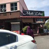 Photo taken at Restoran Mak Leha by Qhairunnina S. on 6/11/2015