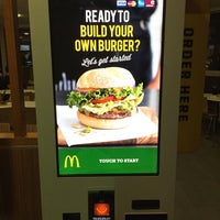 Photo taken at McDonald's by Dick Chiam on 8/4/2015