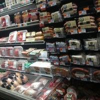 2/8/2013にNorman (获诺) W.がWhole Foods Marketで撮った写真