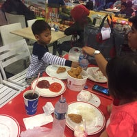 Photo taken at KFC basko grandmall by Funfun Cky Lieden F. on 12/26/2016