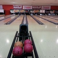 Photo taken at Universal Bowling Center by Lulu .. on 3/27/2014