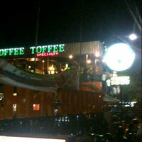 Photo taken at Coffe Toffe by Vektorian A. on 11/21/2013
