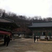 Photo taken at Yaksasa by 박광수 _. on 3/29/2015