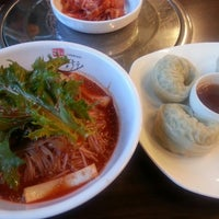 Photo taken at 산두리 비빔국수 by 박광수 _. on 3/23/2013