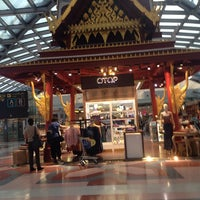 Photo taken at Thai Immigration: Transit Immigration (East) by Natdagan P. on 2/12/2014