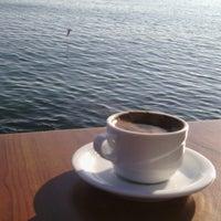 5/16/2016 tarihinde Erdi A.ziyaretçi tarafından Cafe'de Marine'de çekilen fotoğraf