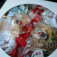 Photo taken at Cookies by Design by Patricio B. on 12/21/2012