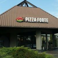 Foto scattata a PizzaForte da László S. il 9/30/2017