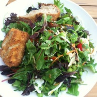 Das Foto wurde bei Sprout Cafe von Penguina I. am 3/22/2014 aufgenommen