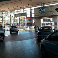 Photo taken at Salon Volkswagen Diesa SA by Guchi L. on 2/17/2015