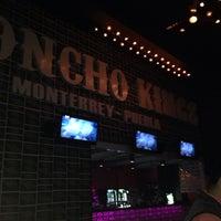 Foto tomada en Poncho Kings por Daniel P. el 10/27/2013