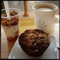 Foto scattata a JoLa Cafe da Brandon S. il 10/3/2012