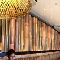 Photo taken at Nando's by Ezzy Husna A. on 5/9/2015
