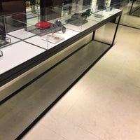 รูปภาพถ่ายที่ CHANEL Boutique โดย mariloo . เมื่อ 4/11/2017