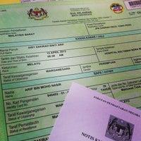 Photo taken at Jabatan Pendaftaran Negara, Yong Peng by Arif M. on 4/24/2013