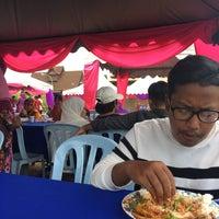 Photo taken at Rumah Tradisional Melaka Perigi Hang Tuah by Afiq R. on 8/27/2017