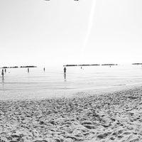 Photo taken at Spiaggia San Benedetto Del Tronto by LaCasiCris on 8/29/2016