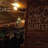รูปภาพถ่ายที่ Réunion Surf Bar โดย Nami C. เมื่อ 3/28/2013