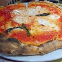 Foto scattata a Ristorante Pizzeria Alberto's da Juanito A. il 5/11/2015