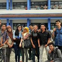 Photo taken at Fakultas Ekonomi Universitas Mulawarman by Syahrul D. on 10/28/2013