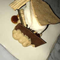 Photo taken at Room 4 Dessert by Shaden A. on 9/24/2018