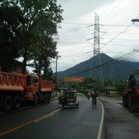 Photo taken at dpwh 1st district of quezon by elbert d. on 9/15/2013