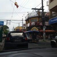 Photo taken at Buddy's Pizza Lucena Quezon Avenue by elbert d. on 6/25/2014