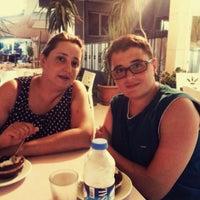 Photo taken at Özdemir Cafe&Pastane by Erol C. on 8/5/2015