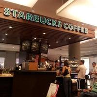 Photo taken at Starbucks by Rodrigo P. on 9/16/2012