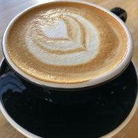 Foto tirada no(a) Vesta Coffee Roasters por Frank G. em 3/14/2018