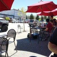 รูปภาพถ่ายที่ Winona's Restaurant โดย Leith S. เมื่อ 5/26/2018