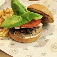 Снимок сделан в Star Burger пользователем Людмила М. 5/18/2015