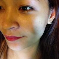 Foto tirada no(a) Lay Bare Waxing Salon por Ayla M. em 10/24/2014