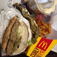 Photo taken at McDonald's by Seonyoung L. on 1/10/2014