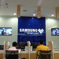 Photo taken at Samsung Service Centre by LiKeY L. on 12/28/2012