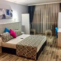 Photo taken at Martı Otel by Erol U 🚶 on 6/14/2014