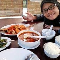 Photo taken at Balekambang Pasar Ikan & Resto by Riana T. on 8/15/2013