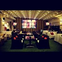 12/9/2012 tarihinde Bedii D.ziyaretçi tarafından Palace Cafe Restaurant & Bowling'de çekilen fotoğraf
