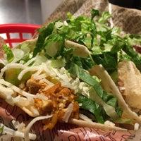 Das Foto wurde bei Chipotle Mexican Grill von Ash am 12/30/2015 aufgenommen