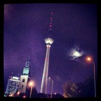 Das Foto wurde bei Berliner Fernsehturm von Abdullah Y. am 11/1/2012 aufgenommen