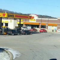 Photo taken at Love's Travel Stop by Hilda H. on 1/3/2014