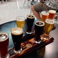 7/12/2014에 Jennifer B.님이 Timeless Pints Brewery에서 찍은 사진