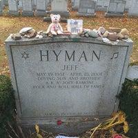 Joey Ramone Grave